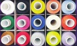 Как правильно выбирать нитки для швейных машин